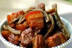 香糯不腻红烧肉--豇豆干红烧肉(详细图解炒糖色)