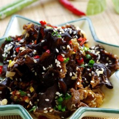最适合现代城市人的排毒小菜——凉拌剁椒木耳(附处理木耳的诀窍)