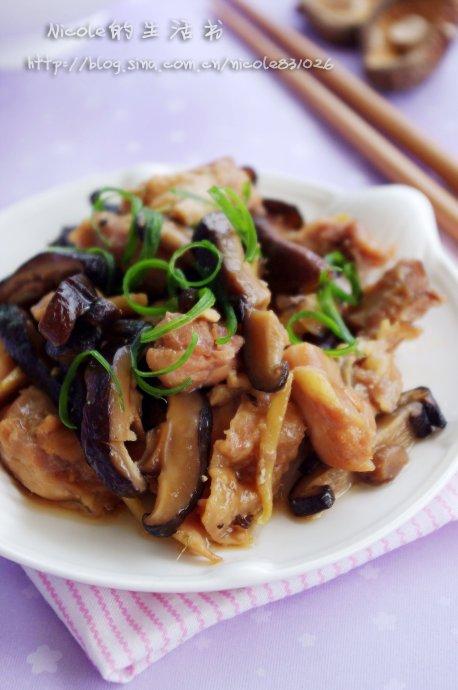 崇尚环保低碳的美味生活——原汁原味的香菇木耳蒸鸡