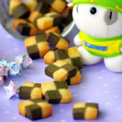 永不落伍的小格子风潮——清新宜人的绿茶格子饼干