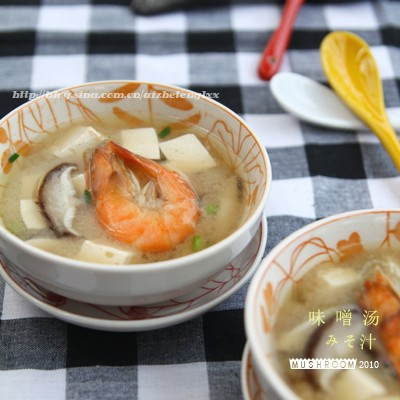 冬天暖身来碗热呼呼的海鲜味噌汤吧