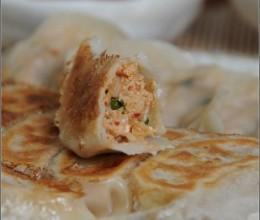 把韩式辣白菜包进饺子----泡菜锅贴