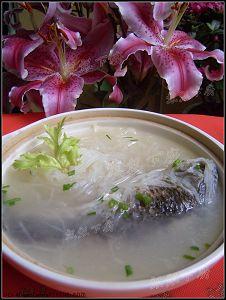 冬日暖汤两款---淮山薏米煲杂骨&淮山大枣虫草老鸽汤