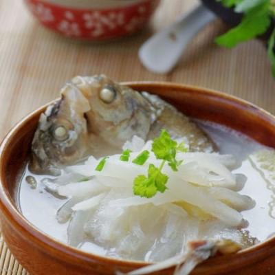 冬日最爱暖身汤——润肺止咳的鲜鱼萝卜汤
