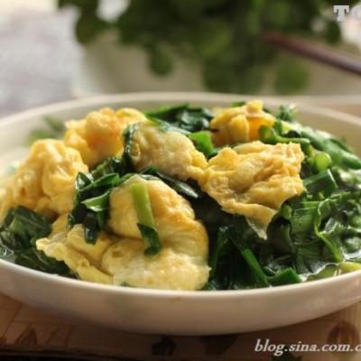 一分钟快炒成就一道鲜嫩的韭菜滑蛋----40道养人的蔬菜