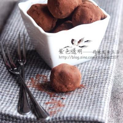 甜蜜情人节送给四类男人的甜品方案一:榛仁松露巧克力送给居家男