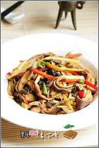 一肚两吃--黑豆猪肚汤&咸菜冬笋辣炒肚丝