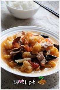 聚会最受欢迎的菜----鸡汤煨木耳