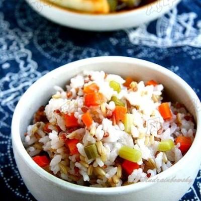 有菜有饭的全能主食【鸡汤杂粮菜饭】11种米饭吃法