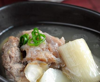 抓住冬天的尾巴--西洋参清炖羊肉汤