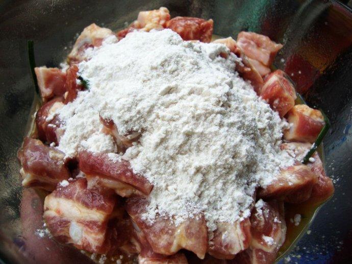 记住这句口诀:要想甜加点盐------糖醋排骨