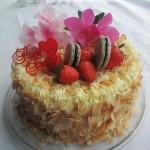 杏仁奶油奶酪裱花蛋糕(从制作蛋糕体至裱花蛋糕的完成都要练基本功)