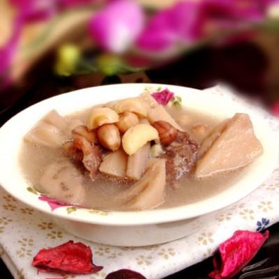让女人永远好气色的春季养生汤:七大要诀煲出一锅清澈鲜甜【莲藕花生肋排汤】