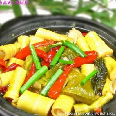 竹笋千变助健康-图文详解春天竹笋众多吃法(5)-小笋酸菜煲
