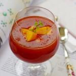 山寨风靡一时的美颜靓汤——丰胸养颜的红酒木瓜饮