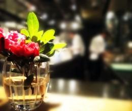 在评为全球最佳50家之一的世界顶级餐厅用餐-----新天地的T8餐厅