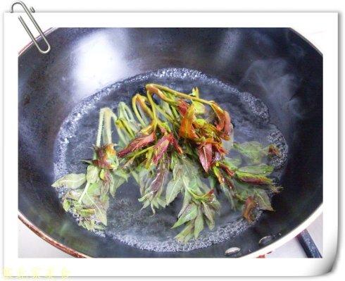 10分钟搞定一碗充满春天气息的面——香椿拌面