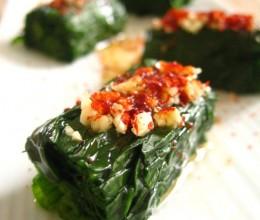 """巧用寿司帘为菠菜""""整形""""---油泼菠菜"""
