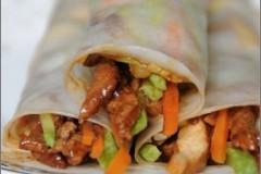 不能再薄了的快手午餐卷饼----京酱肉丝薄饼卷^^