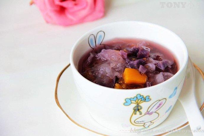 用12道冰镇甜品迎接夏天的到来----抗衰老的紫薯银耳汤