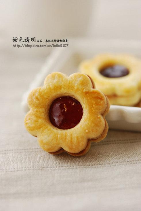 果酱夹心小饼干--儿童节送给自己和孩子们的甜蜜礼物(9款初级烘焙之选)的做法