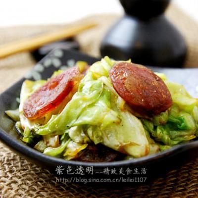 腊肠手撕包菜--食用圆白菜应需注意的事
