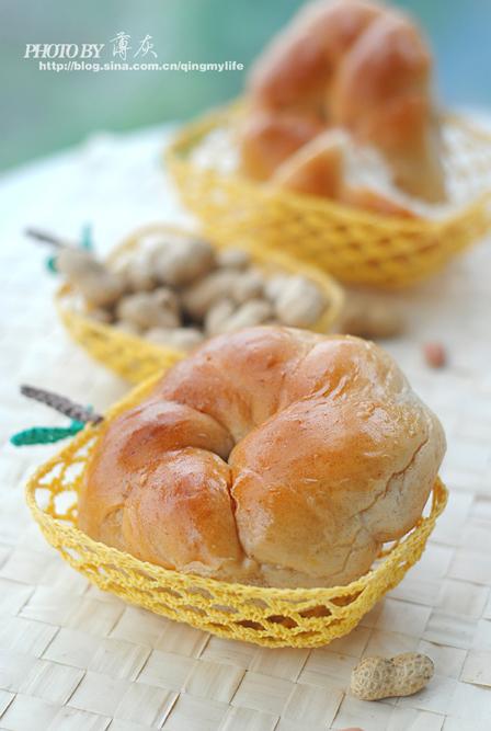 【花生酱花环面包】——把花生酱揉进面里(中种法)