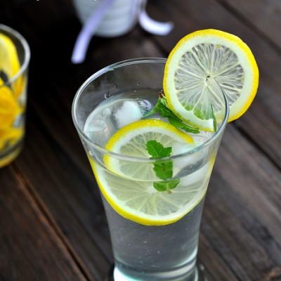 大热天给你带来清凉的一杯茶--薄荷柠檬冰爽茶