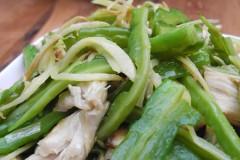 夏季用姜入菜更能消暑解毒—姜丝苦瓜炒鸡块