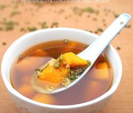 南瓜绿豆汤--夏日糖尿病人的理想饮品