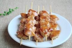 夏日金牌美食:蜜汁鸡肉串