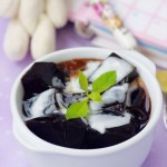 岭南盛夏不可缺少的养生圣品——清热蜜汁椰奶龟苓膏