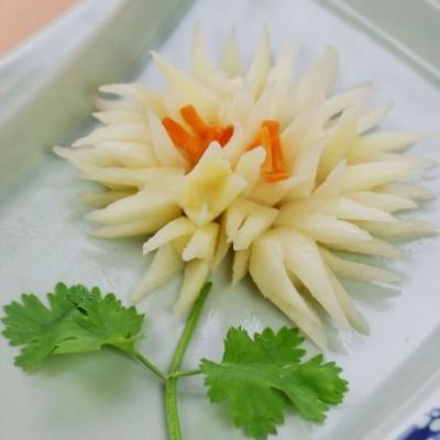 雅致苏菜为夏日餐桌带来一抹清新风——清丽脱俗的丽花茭白