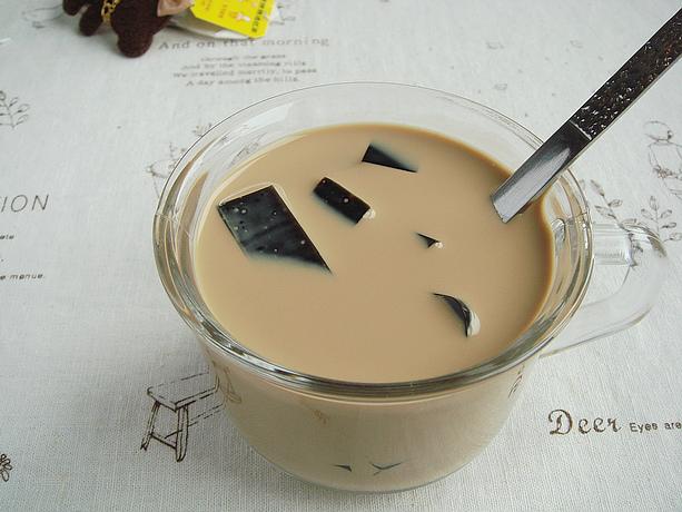 风靡两岸三地的超人气金牌冷饮:仙草奶茶