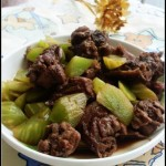 适合夏秋交替季节吃的一道肉菜——青笋焖鸭块
