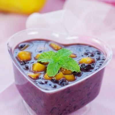 一道惊艳甜品俘获全家人的味蕾——营养加倍的芒果椰汁黑糯米
