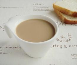 下雨天也要排队的超人气台式风味:红茶豆浆
