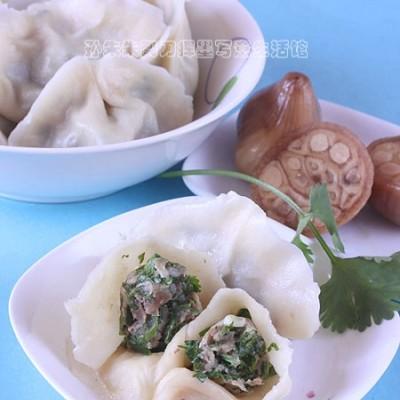 """香菜馅饺子--""""挤""""饺子包法"""