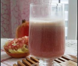 秋日里最应景的一杯排毒养颜水果汁——石榴汁