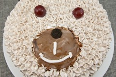 给蛋糕来个可爱的造型-小熊生日蛋糕