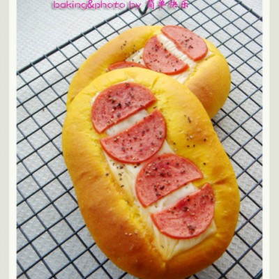 极富秋天色彩的面包—南瓜火腿芝士包&辫子包