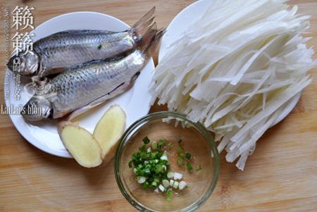 【鲫鱼萝卜汤】1招煮出稠浓奶白的鲜鱼汤!