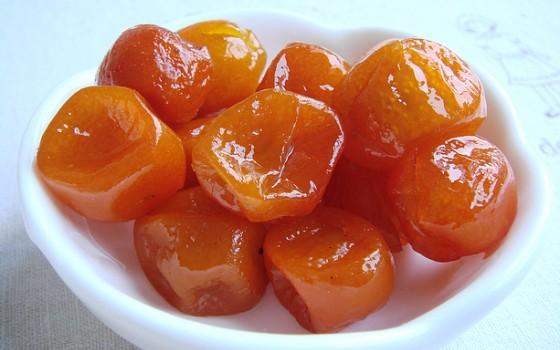 家庭自制可以预防感冒的小零食:金桔蜜饯