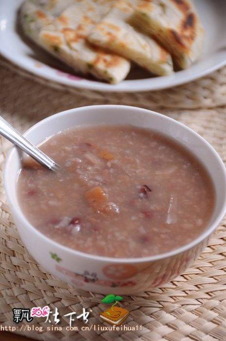 冬藕最补人----给女人好喝的红豆糖藕粥
