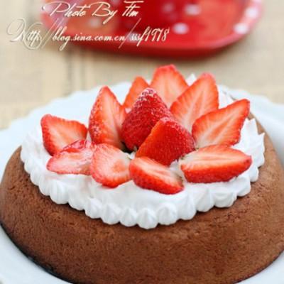 烘培新手也能成功的一款简约装饰蛋糕心形巧克力草莓蛋糕