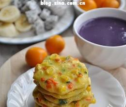 早餐37【胡萝卜玉米小蛋饼+紫薯米糊+火龙果+香蕉】