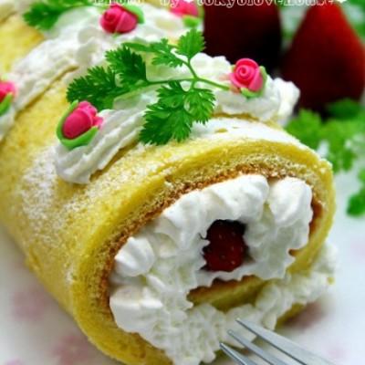 透着柠檬香的草莓奶油蛋糕卷的详细图解和做法