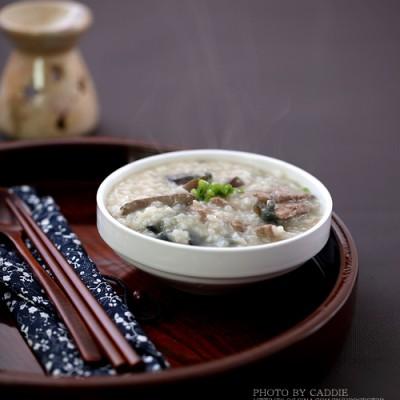 为上班族打造的快手煮粥法———皮蛋猪肝粥