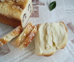 用一块超经典百搭面团自制三重诱惑美味:老式面包变身记