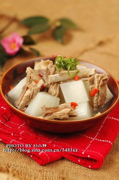 用陈皮炖出来的羊肉很不一般:【陈皮萝卜羊排汤】